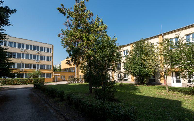 1151 Budapest, Mogyoród útja 42. kiadó iroda