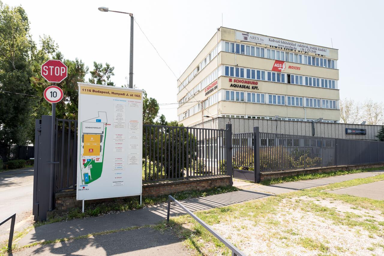 1116 Budapest, Hunyadi J. út 162. kiadó iroda